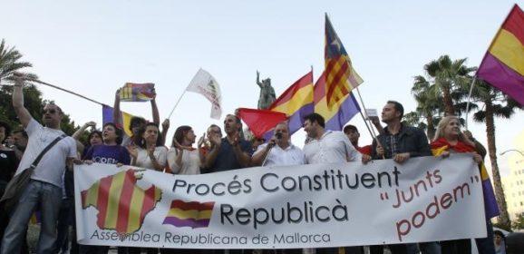 Referéndum: Monarquía o República.
